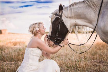 autorin mit pferd